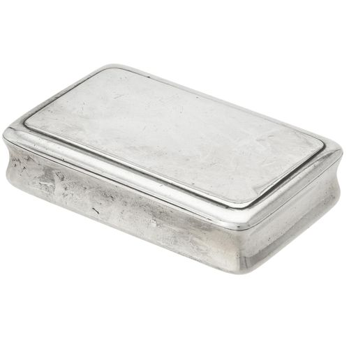 A George IV silver plain oblong snuff box by Thomas Shaw A George IV silver plai…