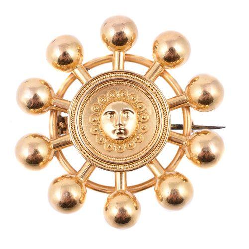 A mid Victorian Archaeological revival brooch Une broche de renaissance archéolo…