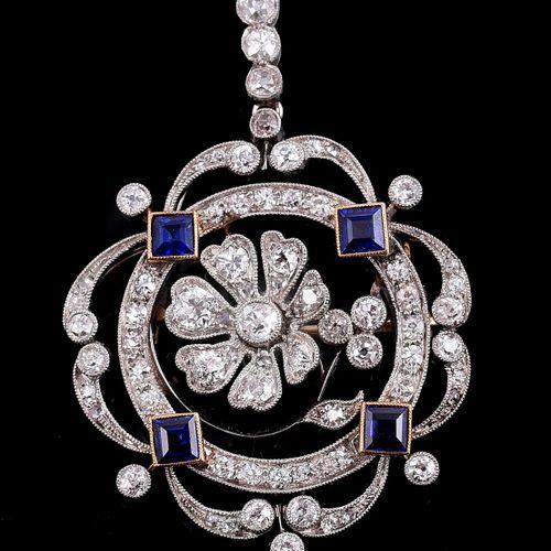 An Edwardian diamond and sapphire brooch/pendant Une broche/pendentif Edouardien…
