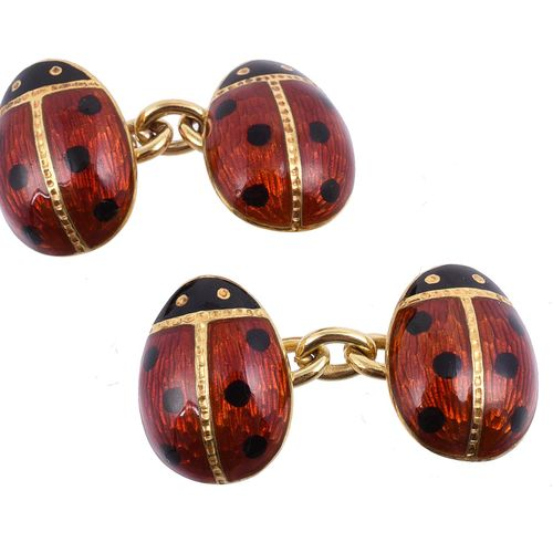 A pair of enamelled ladybird cufflinks Une paire de boutons de manchette en form…