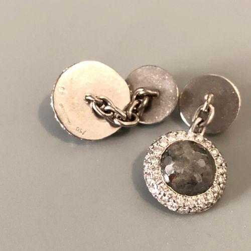 DE GRISOGONO Paire de boutons de manchettes en or gris 18k (750 millièmes), les …