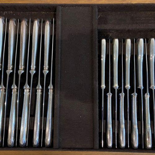 """(65) piece cutlery cassette Christofle """"Vendome"""" / Francois Frionnet silver plat…"""