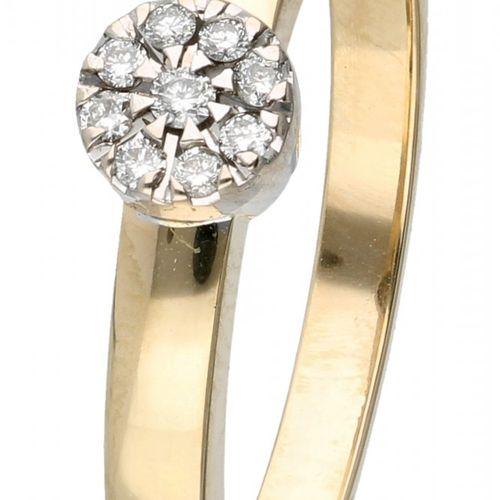 14K. Yellow gold rosette ring set with approx. 0.09 ct. Diamond. 9颗明亮式切割钻石(9x约0.…