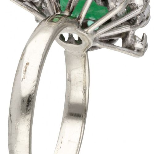 14K. White gold entourage ring set with approx. 1.73 ct. Natural emerald and app…