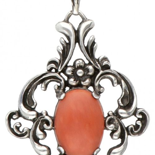 Silver necklace with pendant set with approx. 7.29 ct. Red coral 835/1000. Poinç…