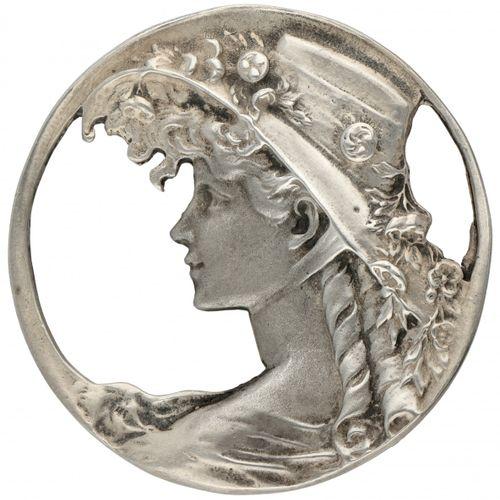 Silver Art Nouveau pendant / brooch with a Victorian lady 925/1000. Marque du fa…