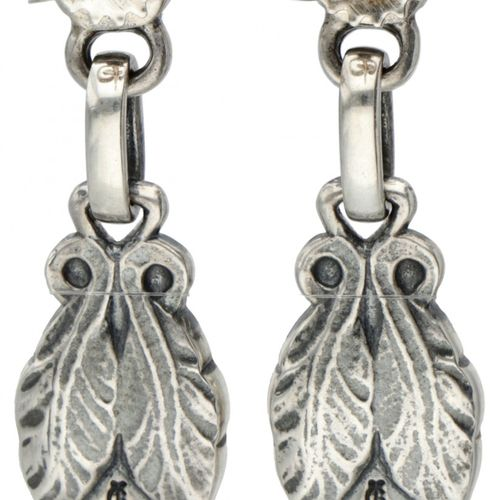 Silver Georg Jensen earrings of the year 2008, set with green agate 925/1000. 来自…