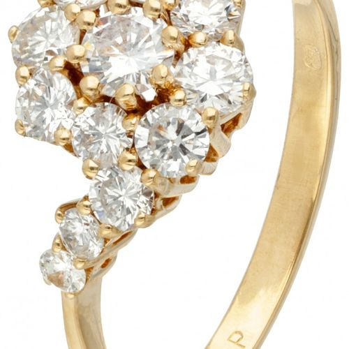 18K. Yellow gold ring set with approx. 1.10 ct. Diamond. Poinçons : 750, 125 P, …