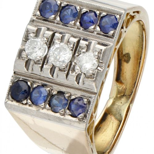 14K. Yellow gold retro tank ring set with approx. 0.18 ct. Diamond and synthetic…