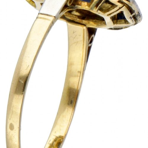 14K. Yellow gold Art Deco ring with Pt 950 platinum set with diamond and synthet…
