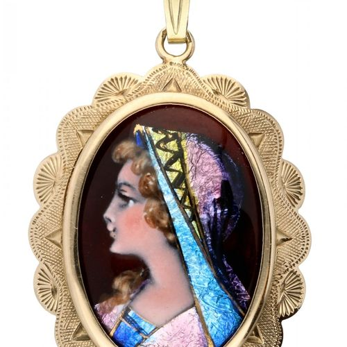 Pendant with portrait in Email d'Art in a richly engraved 14K. Yellow gold frame…