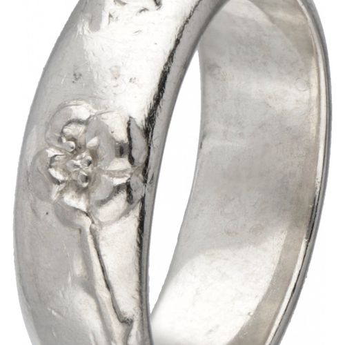 Silver Tiffany & Co. Ring with flowers 925/1000. Poinçons : © Tiffany & Co., 925…