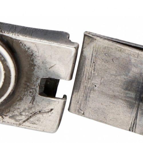 Silver bracelet set with approx. 21.65 ct. Amber 925/1000. Décoré de feuilles et…