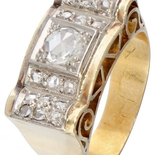 14K. Yellow gold openwork art deco tank ring set with rose cut diamond. Poinçons…