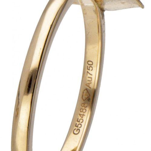 18K. Rose gold Piaget 'Rose' ring set with approx. 0.06 ct. Diamond. 印记:© Piaget…