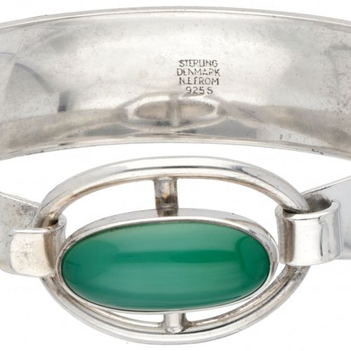 Silver N.E. From bangle set with approx. 7.02 ct. Chrysoprase 925/1000. 印记:纯银,丹麦…