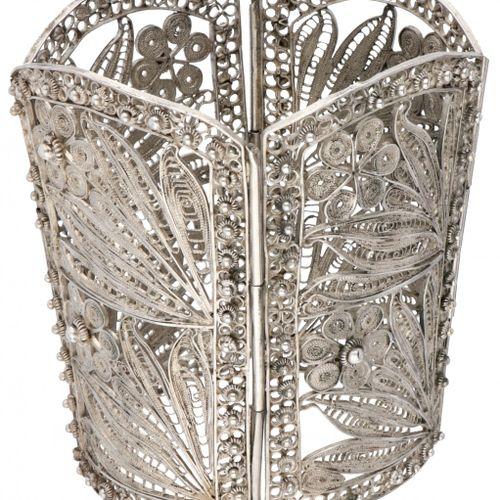 Large silver antique floral shaped filigree bracelet 925/ 1000. 饰有Zeeland结,有针(金属…