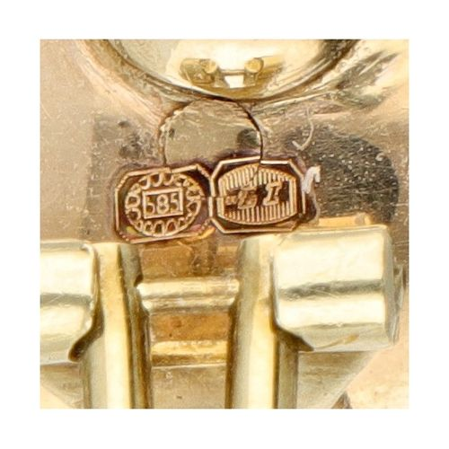 14K. Yellow gold antique clip earrings set with approx. 0.17 ct. Diamond and Bri…