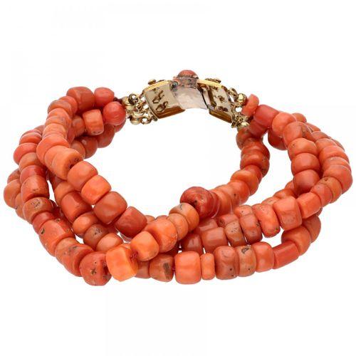 Four row red coral bracelet with a 14K. Rose gold closure. 饰有花纹的手工艺品,带安全链。红珊瑚直径约…