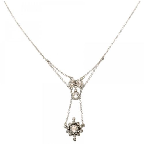 Antique silver necklace set with rose cut diamonds 925/1000. 带安全夹。20颗玫瑰式切割钻石(1个直…