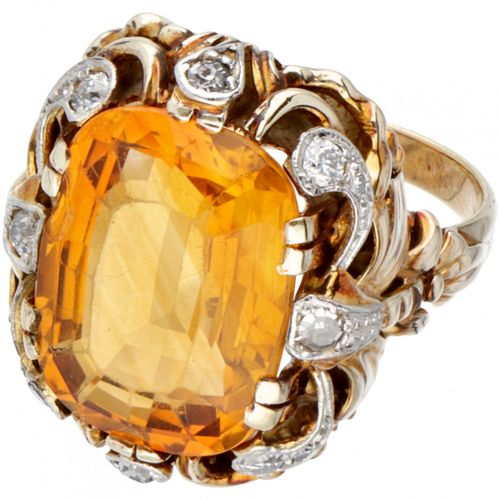 14K. Yellow gold vintage ring set with approx. 7.18 ct. Citrine and approx. 0.26…