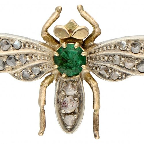 14K. Yellow gold bee brooch set with rose cut diamond and approx. 0.23 ct. Natur…