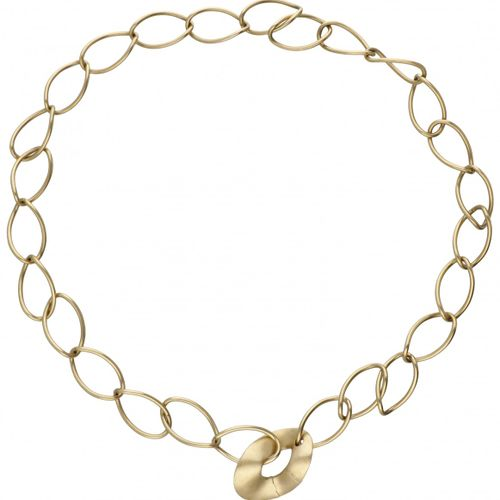 18K. Yellow gold Pomellato link necklace with matted closure. Des poinçons : * 4…