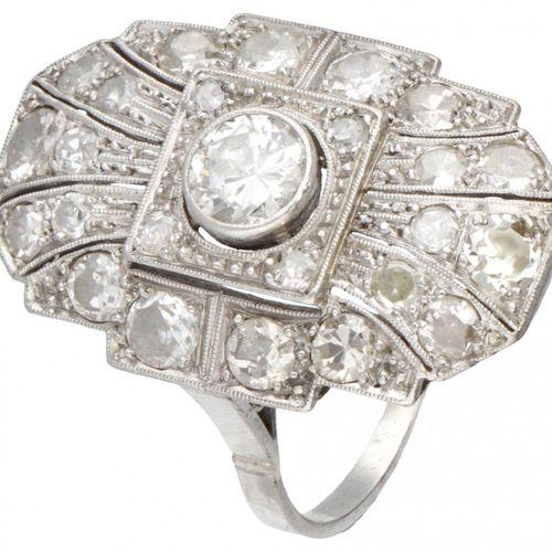 Pt 900 Platinum Art Deco dinner ring set with approx. 1.87 ct. Diamond. Poinçons…