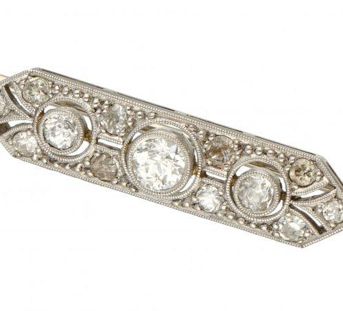 14K. White gold Art Deco brooch set with approx. 0.55 ct. Diamond. 印章:585。镶嵌3颗老式…