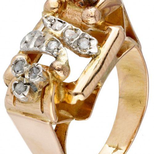 18K. Yellow gold openwork Art Deco ring set with diamonds. 印记:750,Pt. 镶嵌12颗玫瑰式切割…