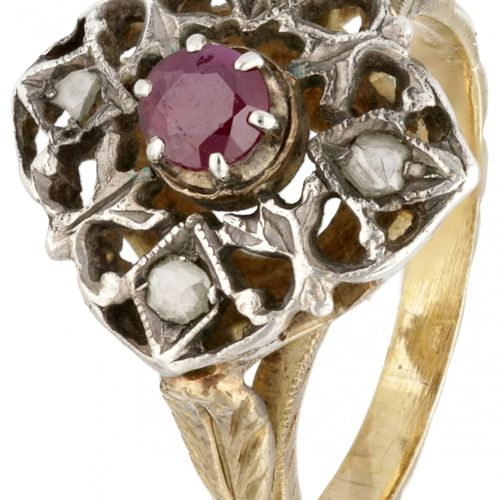 14K. Yellow gold and 835/1000 silver openwork ring set with diamond and ruby. 印章…