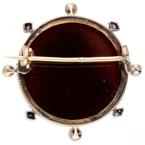 18K. Rose gold vintage cameo brooch decorated with diamond and seed pearl. 印记:鹰头…