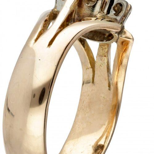 14K. Rose gold vintage rosette ring set with approx. 0.34 ct. Diamond. Du bijout…