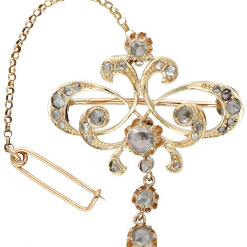 14K. Yellow gold antique brooch set with rose cut diamond. Poinçon : 585. Avec c…