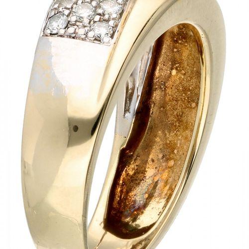 14K. Yellow gold band ring set with approx. 0.31 ct. Diamond. 25颗明亮式切割钻石(6x约0.02…