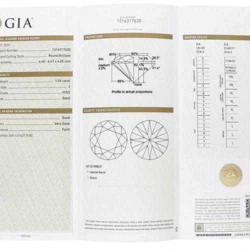 GIA Certified Brilliant Cut Diamond 1.04 ct. 重量:1.04克拉。(6.40 6.47 x 4.00 mm), 清晰…