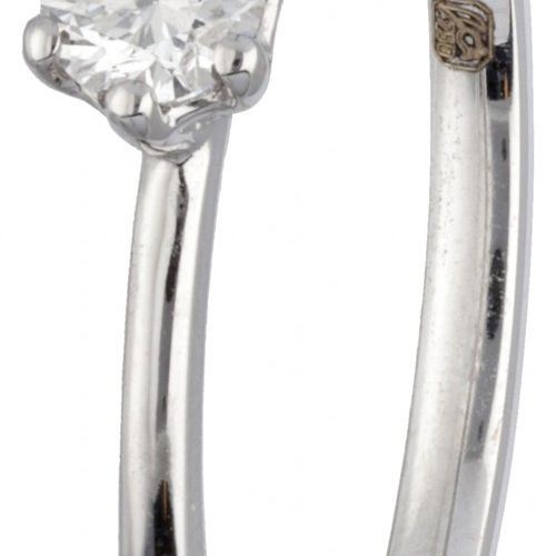 18K. White gold Alfieri & St. John solitaire ring set with approx. 0.16 ct. Diam…