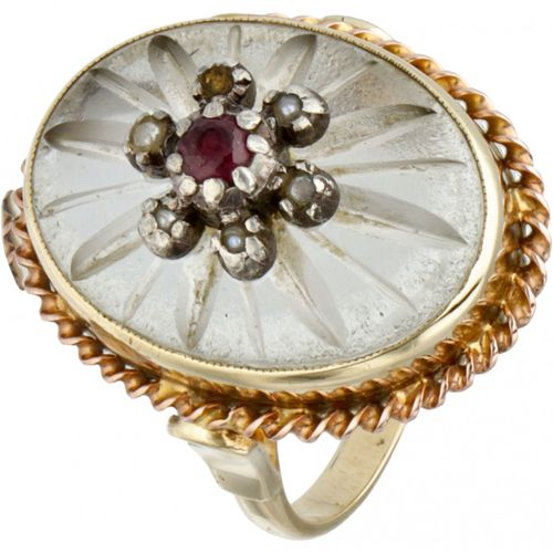 14K. Yellow gold vintage ring set with natural ruby and seed pearls. 印记:橡树叶中的5…
