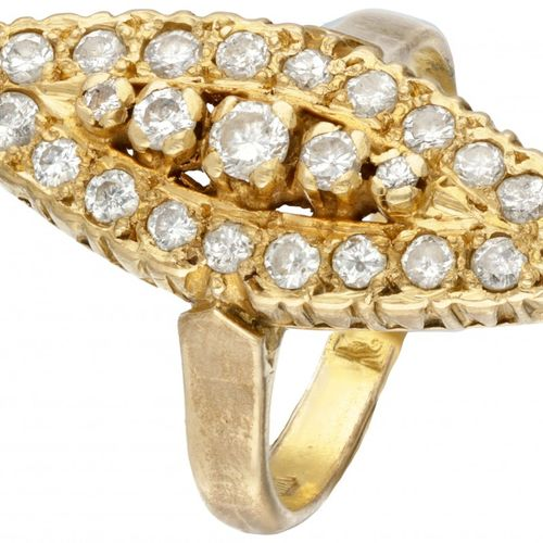 20K. Yellow gold vintage marquis ring set with approx. 0.81 ct. Diamond. Poinçon…