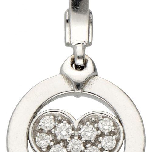 18K. White gold Bvlgari 'Tondo Heart' pendant set with approx. 0.15 ct. Diamond.…