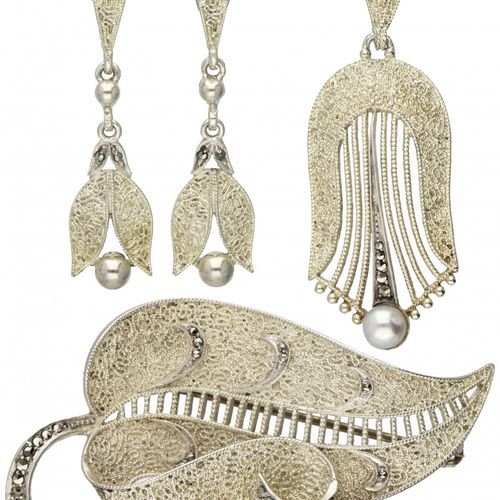 Set of silver Theodor Farhner Art Deco earrings, pendant, brooch set with pearl …