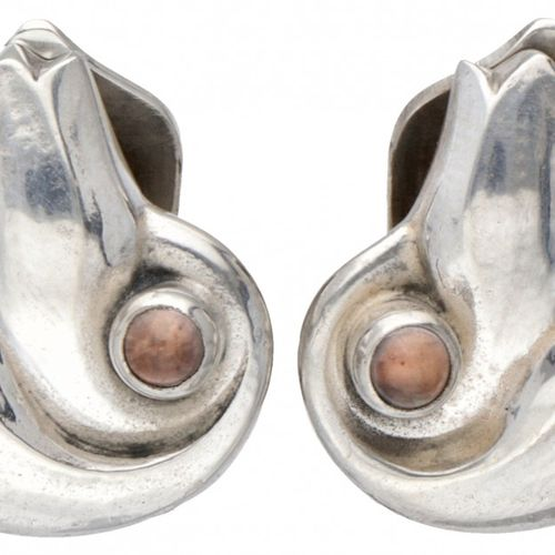 Silver Georg Jensen clip earrings of the year 1999, set with rose quartz 925/100…