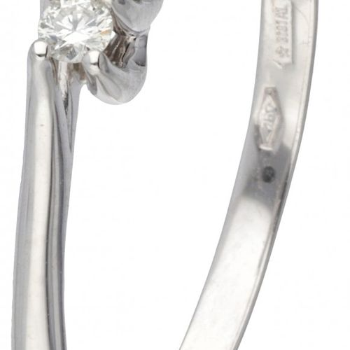 18K. White gold Bliss ring set with approx. 0.09 ct. Diamond. 印记:bliss,750,*3101…