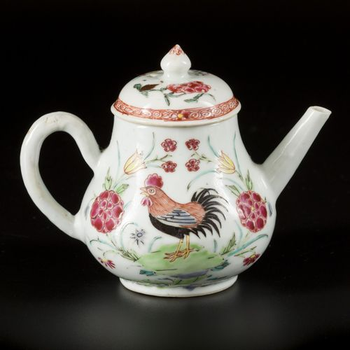 A porcelain teapot with decor of flowers and a rooster, China, Yonghzeng. Dim. 1…