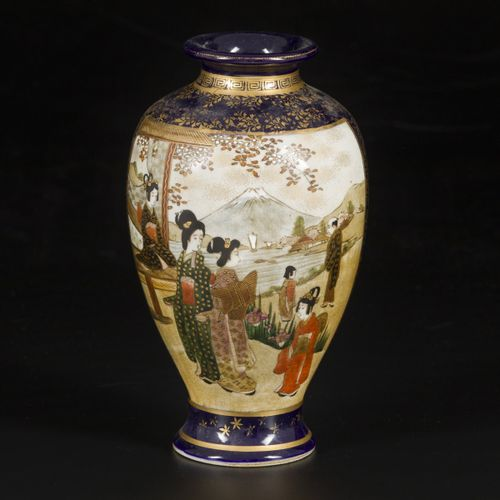 A vase in Satsuma earthenware decorated with Japanese figures, Japan, late Meji …