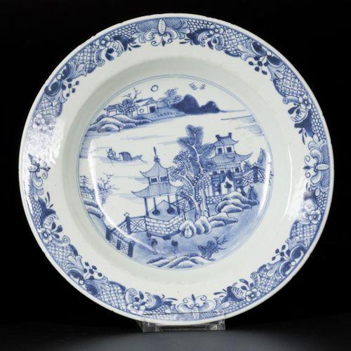 A set of (3) porcelain deep plates with pagoda/river decor, China, Qianlong, 18t…