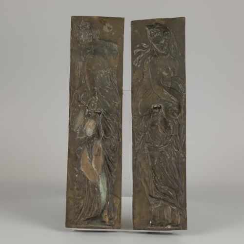 A set of (2) bronze reliefs of water nymphs, France, ca. 1900. Dim.44 x 12 cm.估计…