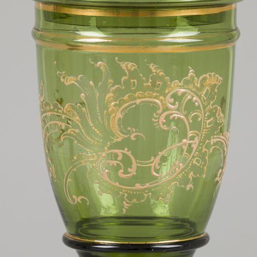 A set of (2) green glass lidded coupes, France, early 20th century. 有金漆罗盖尔装饰。高38…