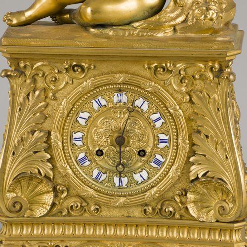 A firegilt clock with music playing boy, Denière à Paris, France, around 1830. 表…