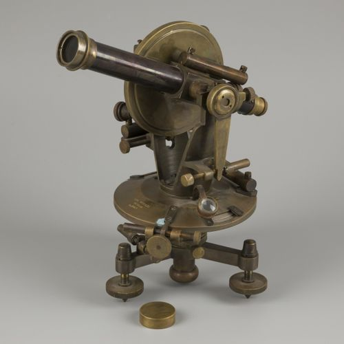 "A surveyors' ""Carl Hensoldt"" brass spirit level instrument (transit/ theodolite)…"